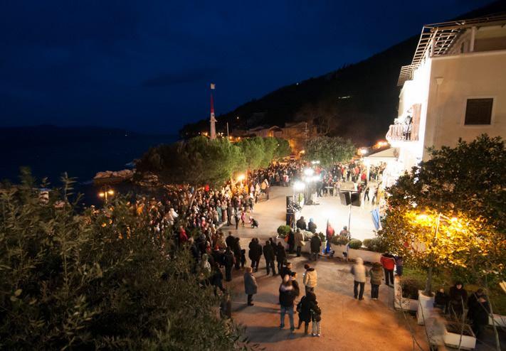 Spaljivanje Pusta u Mošćeničkoj Dragi,  05032014 u 18:00 i<br>3 smotra karnevalskih zastava