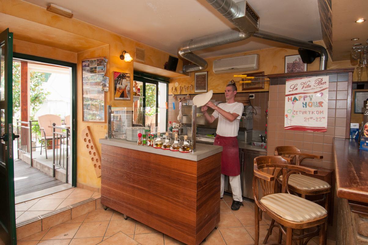 Caffe bar & pizzeria La Vita