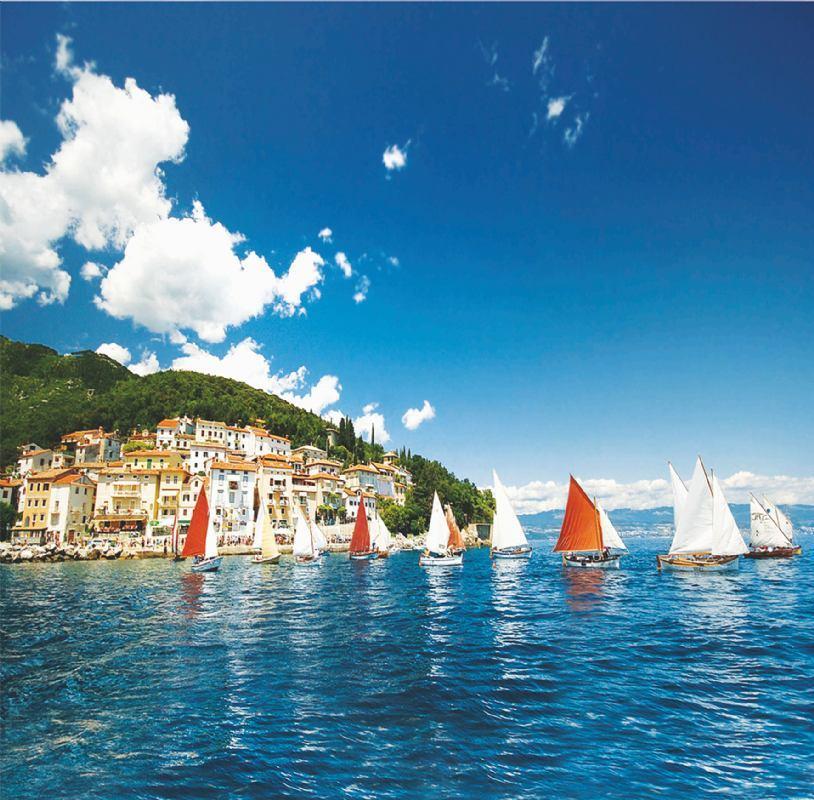 8. Smotra i regata tradicijskih barki na jedra