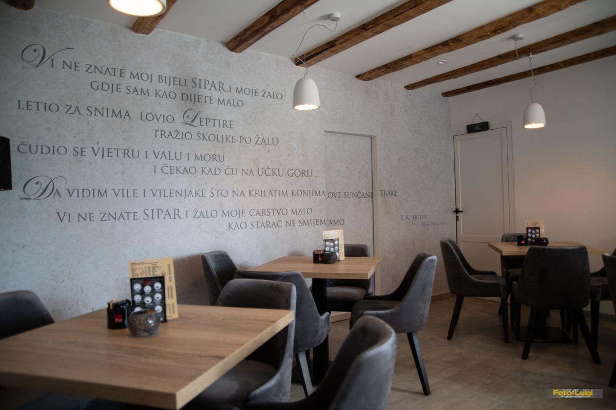 Caffe bar Velebit