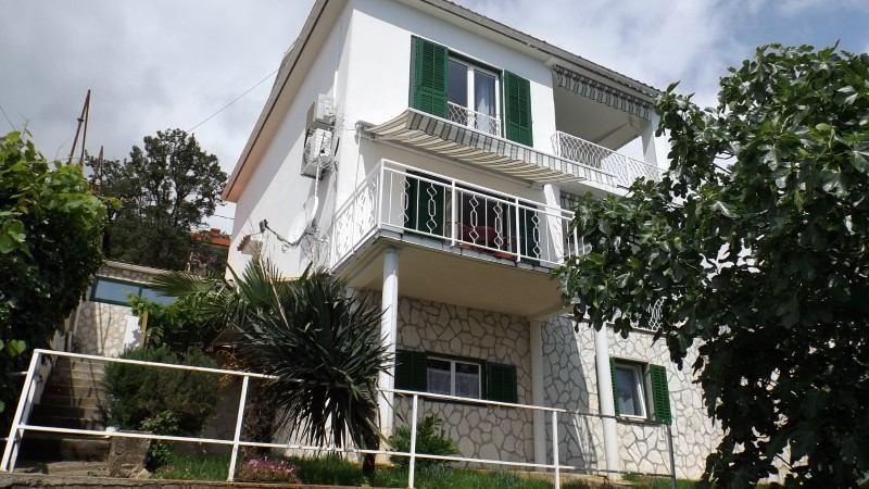 Villa Elma, Marina i Elvis Valentin